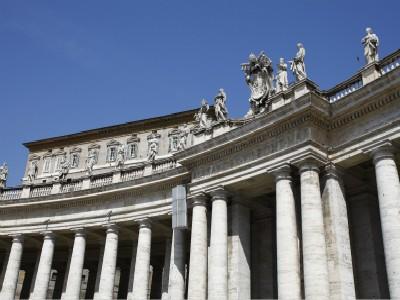 意大利签证能找人代领吗?